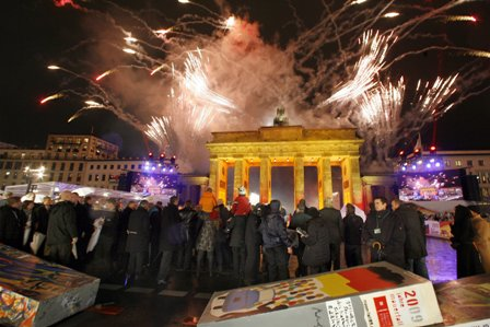 Mur berlin fireworksrep